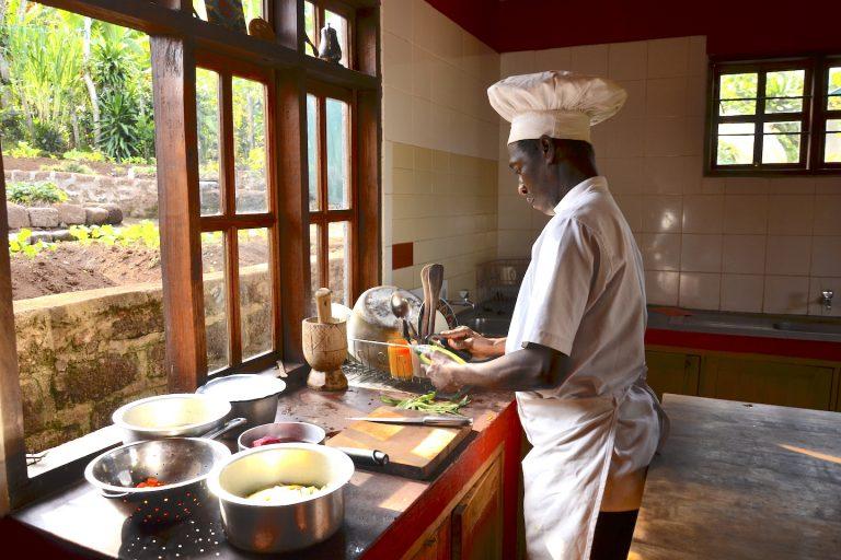 Mbahefarm_chef_cooking